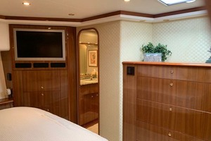 74' Viking Convertible 2005 Master Stateroom Tv