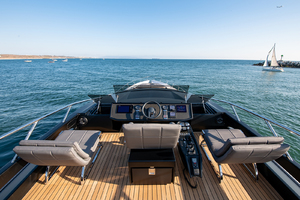 82' Pershing  2017 Flybridge