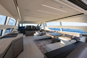 82' Pershing  2017 Salon