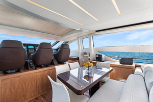 82' Pershing  2015 82_Pershing_GROOT_Interiors24