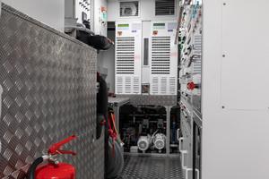 108' Pershing  2018 Engine Room
