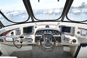 Carver 41 Cockpit Motor Yacht-2006-Uncle Joe Montauk-New York-United StatesHelm Station 1175337 thumb