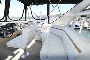 41' Carver 41 Cockpit Motor Yacht 2006 Flybridge With Helm Seating