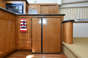 41' Carver 41 Cockpit Motor Yacht 2006 Galley