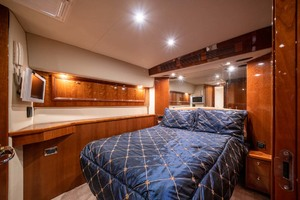 51' Riviera Convertible 2005 14 Master Stateroom