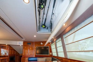 51' Riviera Convertible 2005 6 In Ceiling Rod Storage