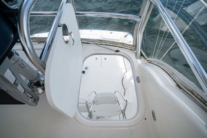 51' Riviera Convertible 2005 34 Access From Flybridge To Cockpit