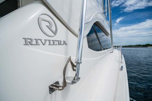 51' Riviera Convertible 2005 26 Starboard Side Deck
