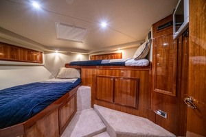 51' Riviera Convertible 2005 18 Guest Forward Berth