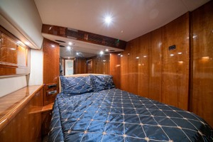 51' Riviera Convertible 2005 15 Master Stateroom