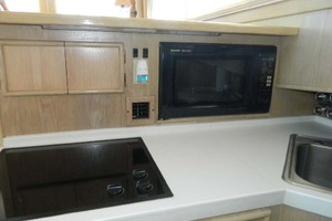 46' Post Sport Fisherman 1994 Galley