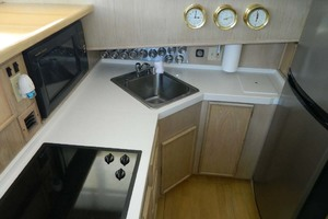46' Post Sport Fisherman 1994 Galley Cooktop