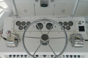 46' Post Sport Fisherman 1994 Bridge Helm Detail
