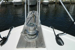 46' Post Sport Fisherman 1994 Windlass And Pulpit