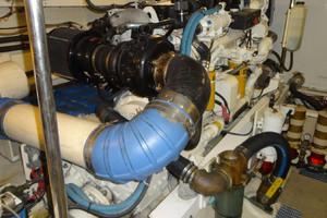 ' Pacific Mariner Pilothouse 2000 Port Engine
