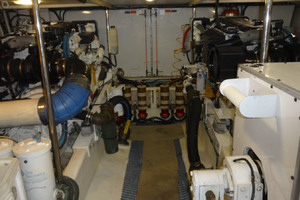65' Pacific Mariner Pilothouse 2000 Full Beam Stand Up Engine Room