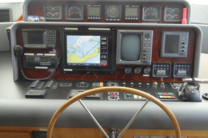 65' Pacific Mariner Pilothouse 2000 Pilothouse Helm with Upgraded Garmin Chart Plotter