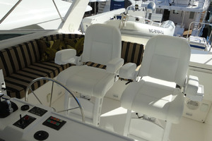 65' Pacific Mariner Pilothouse 2000 Flybridge Helm & Companion Seats