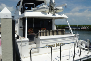 65' Pacific Mariner Pilothouse 2000 Swim Platform / Aft Deck