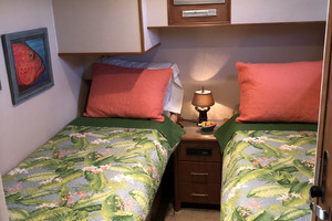 65' Pacific Mariner Pilothouse 2000 Port Guest Twin Berth Stateroom
