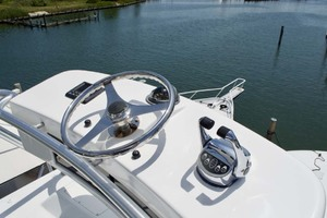 55' Viking 55 Convertible 2001 20 Helm (Tower)