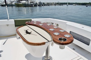 55' Viking 55 Convertible 2001 10 Rocket Launcher   Cockpit Pedestal