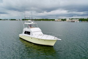 50' Hatteras 50 Convertible 1982 1a Bow Profile