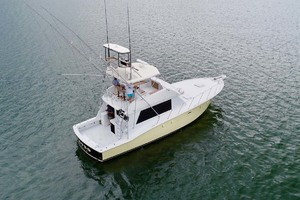 50' Hatteras 50 Convertible 1982 3 Starboard Aft In Water