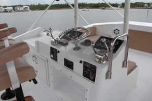 50' Hatteras 50 Convertible 1982 9 Flybridge Helm Station