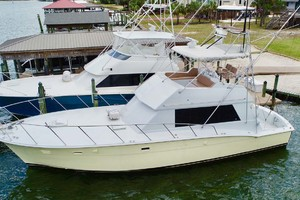 50' Hatteras 50 Convertible 1982 31 Port   Dock