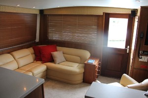 50' Hatteras 50 Convertible 1982 14 Salon L Settee & Entry