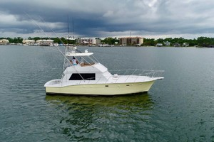 50' Hatteras 50 Convertible 1982 2 Stbd   In Water