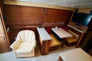 50' Hatteras 50 Convertible 1982 16 Salon To Port   Dinette