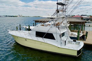 50' Hatteras 50 Convertible 1982 32 Port Aft   Dock