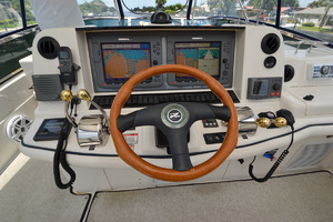 50' Sea Ray 500 Sedan Bridge 2005 Helm Electronics