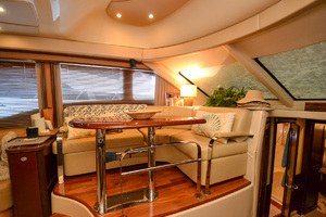 50' Sea Ray 500 Sedan Bridge 2005 Dinette