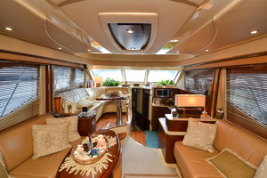 50' Sea Ray 500 Sedan Bridge 2005 Salon