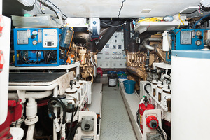 92' Motor Yacht Ortona Navi 1989 Engine Room