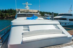 92' Motor Yacht Ortona Navi 1989 Foredeck