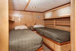92' Motor Yacht Ortona Navi 1989 Guest Stateroom