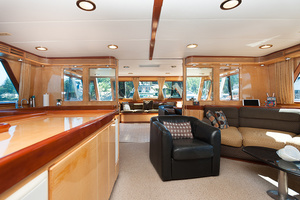 92' Motor Yacht Ortona Navi 1989 Salon Looking Aft
