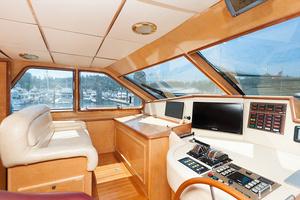 92' Motor Yacht Ortona Navi 1989 Helm