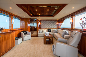 78' Ocean Alexander  2014 Main Salon