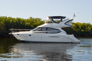 39' Meridian 391 Sedan Bridge 2011 Port Profile