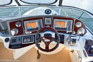 39' Meridian 391 Sedan Bridge 2011 Helm