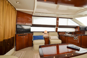 39' Meridian 391 Sedan Bridge 2011 Seats