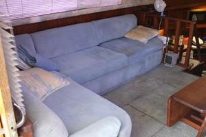 36' Jersey 36 Convertible 1990 Salon Settee