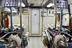 74' Hatteras 74 Sport Deck Motor Yacht 1999
