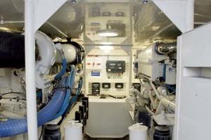 48' Viking 48 Convertible 2002 Engine Room