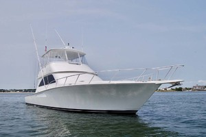 48' Viking 48 Convertible 2002 Starboard Bow